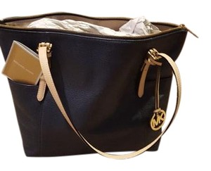 Michael Kors Tote in Navy trimmed in bone