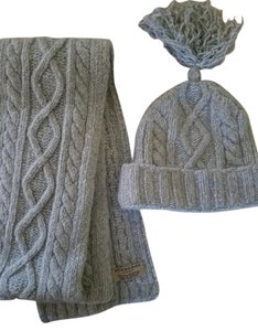 Burberry Burberry hat and scarf set wool and angora