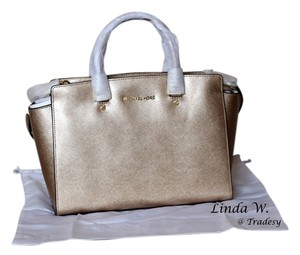Michael by Michael Kors Leather Gold Hardware Removable Strap Chic Versatile Structured Classic Functional Satchel in Pale Gold