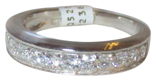 Preload https://img-static.tradesy.com/item/20230981/clear-sterling-silver-simulated-diamond-wedding-band-size-8-ring-0-1-540-540.jpg