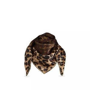 Louis Vuitton Louis Vuitton Iconic Leopard and Momogram Print Silk Square Scarf