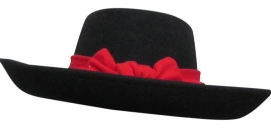 Preload https://img-static.tradesy.com/item/20231340/black-wool-with-red-bow-hat-0-1-540-540.jpg