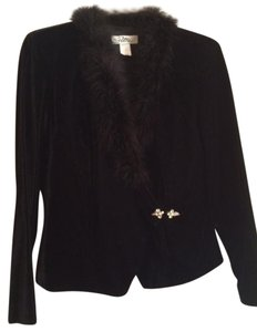 Petra Fashions Top Black with feather collar, Rhinestone clasp