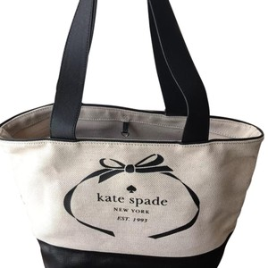 Kate Spade Tote in Black/White Logo Summer Heritage Canvas Leather
