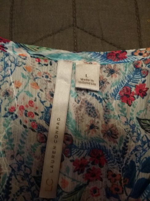LC Lauren Conrad Top Floral-White/torqouise/blue Image 2