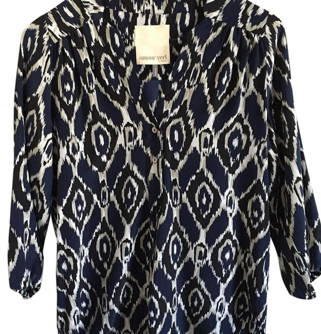 Item - Blue Ikat Print Silk with 3/4 Sleeves Blouse Size 6 (S)