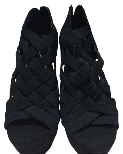 Preload https://img-static.tradesy.com/item/20232419/jessica-simpson-black-platforms-size-us-7-regular-m-b-0-1-540-540.jpg