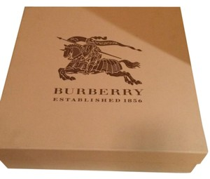 Burberry Burberry boot shoe box and dust bag