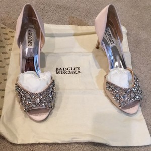 Badgley Mischka Liggt Pink Candance Formal Size US 9.5 Regular (M, B)