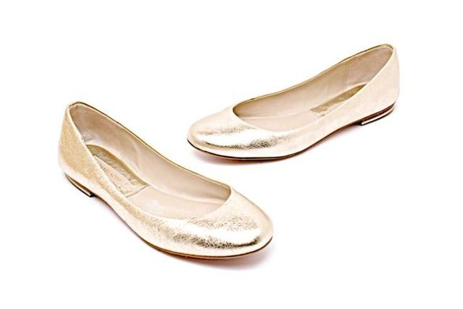 Item - Gold W Pale Pebble Leather W/Padded Footbed Flats Size US 6.5 Regular (M, B)