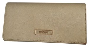 DKNY DKNY Large Carryall Wallet