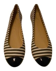 Giuseppe Zanotti Chic Design Cap Toe Made In Italy White/Black Flats