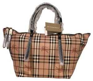 Burberry Tote in Haymarket Check