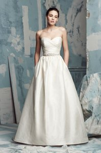 Paloma Blanca Paloma Blanca Wedding Dress #4104 Wedding Dress