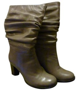Naturalizer taupe Boots