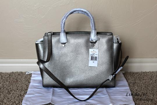 MICHAEL Michael Kors Leather Hardware Metallic Removable Strap Chic Versatile Structured Classic Functional Satchel in Nickel (Silver Grey)