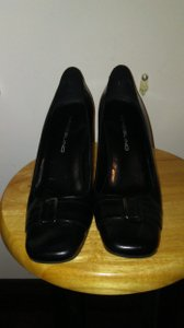Bandolino Leather Flawless Black Pumps