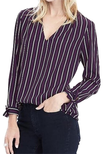 Preload https://img-static.tradesy.com/item/20235126/banana-republic-blouse-size-0-xs-0-1-650-650.jpg