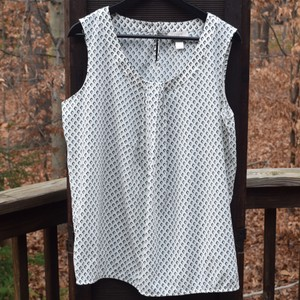 Ann Taylor LOFT Top White turquoise and black