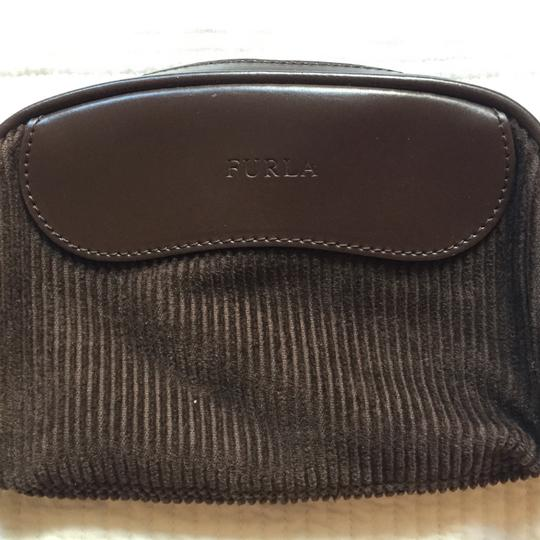 Preload https://img-static.tradesy.com/item/20235298/furla-brown-corduroy-and-leather-wristlet-0-0-540-540.jpg