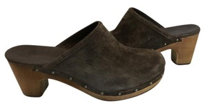 UGG Australia Chestnut Holiday BROWN Mules
