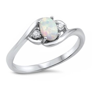 9.2.5 Classic opal and white sapphire silver ring size 6