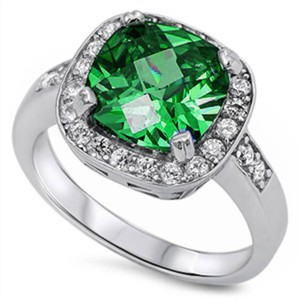 9.2.5 Amazing 4 carat emerald holiday cocktail ring size 7