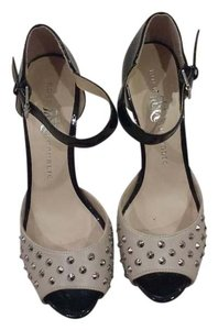 Rock & Republic & Studs Color Block Beige black Pumps