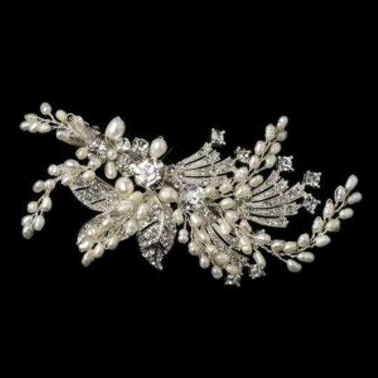 Preload https://item1.tradesy.com/images/elegance-by-carbonneau-silver-vintage-look-pearl-and-crystal-clip-hair-accessory-202390-0-0.jpg?width=440&height=440
