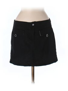 Hurley Hurley Active Black Skirt. Trimmed with green.