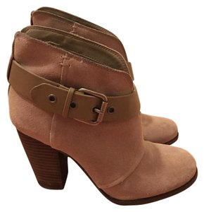 Jessica Simpson Gray/ Taupe Boots