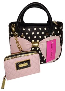 Betsey Johnson Black Pink Bow Cross Body Wallet Satchel in black/pink