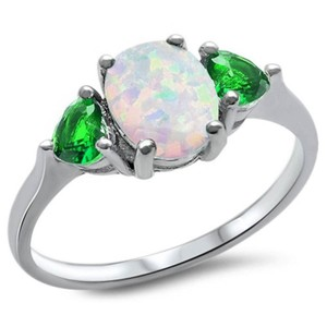 9.2.5 Gorgeous opal and green emerald holiday cocktail ring size 7