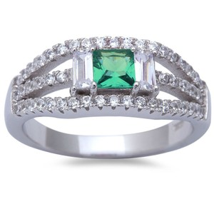 9.2.5 unique Art Deco green emerald and white sapphire cocktail ring size 9