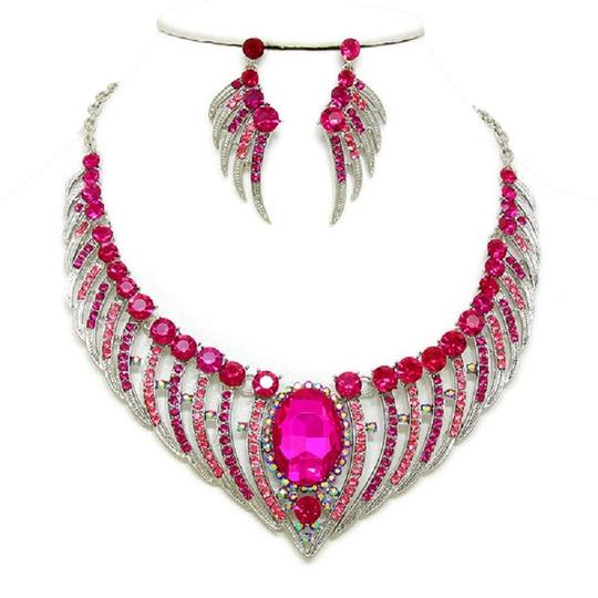 Preload https://img-static.tradesy.com/item/2024112/fuchsia-pink-angel-wings-crystal-and-earring-set-necklace-0-0-540-540.jpg