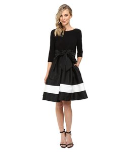 Adrianna Papell Color-blocking Jersey Taffeta Dress