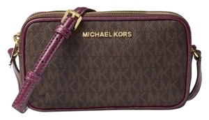 4a23b89183d3c7 Michael Kors Bedford Handbags - Up to 90% off at Tradesy