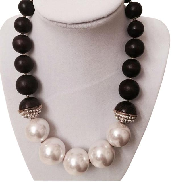 Item - Cream and Brown Pearl Necklace