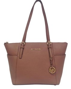 06aba9d72b79 Michael Kors Pink Bags - Up to 70% off at Tradesy