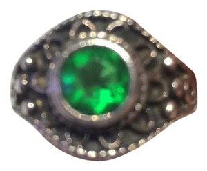 9.2.5 Vintage sterling ring, with green stone
