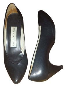 Evan Picone Vintage Black Pumps