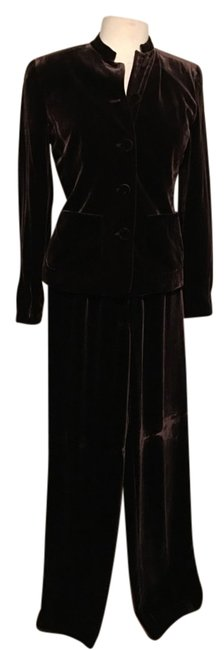 Item - Brown Velvety Front Covered Button Closure Front Pockets Band Collar Pant Suit Size 2 (XS)