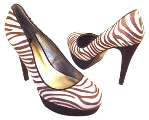 Guess Zebra Platform Stiletto Black/White Pumps