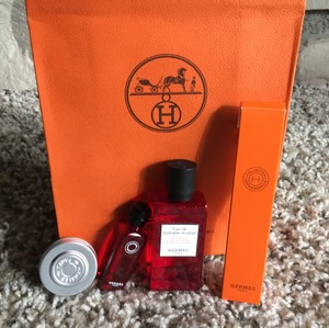 Hermès NEW!! Auth Hermes Xmas Stocking/Travel Set/Purfume Rhubarbe Ecarlate