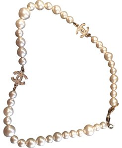 Chanel Authentic Chanel Faux Pearl And CC Logo Crystal Necklace