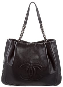 Chanel Timeless Gst Pleated Cc Logo Caviar Tote in Black