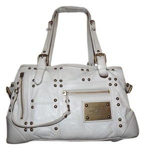 fc93bea23ce4 Louis Vuitton Bags - Up to 90% off at Tradesy