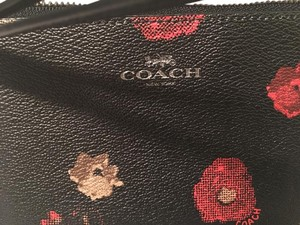 Coach Corner Zip Multi F55824 Canvas Small Wristlet in Black Floral Print