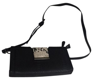 Nila Anthony Cross Body Bag