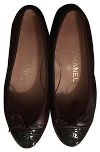 Chanel Dark brown Flats